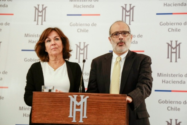 """Valdés pone manto de duda sobre reforma a las pensiones: """"Nunca estuvo en la idea de construir un proyecto de ley a partir de la mesa"""""""