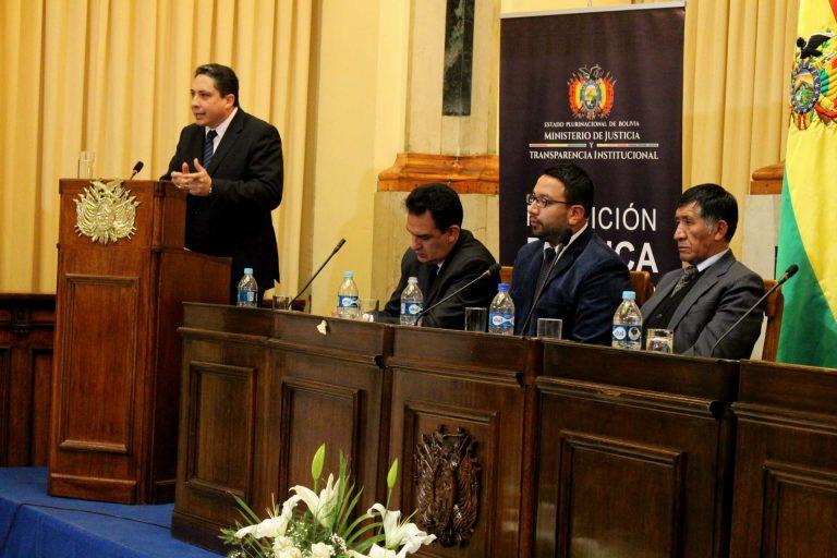 Chile otorga visa a ministro de Justicia de Bolivia que llegará a Iquique para intentar liberar a los 9 detenidos