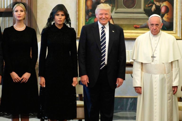 Foto de Donald Trump con el Papa Francisco se ha vuelto viral
