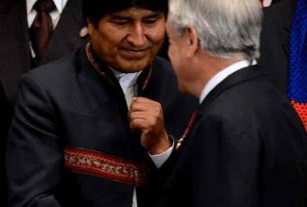 """Evo le responde con rudeza a Piñera y le enrostra sus negocios: """"Usa el poder público para negocio privado"""""""