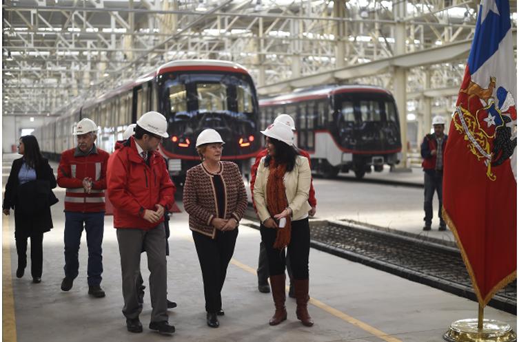 """Bachelet: """"La extensión de la red de Metro es una herramienta clave para lograr una mejor ciudad, más sustentable y más integrada"""""""