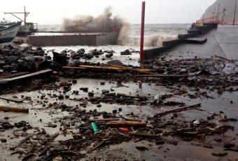 Juan Fernández azotado por temporal: Borde costero de la isla con muchos daños