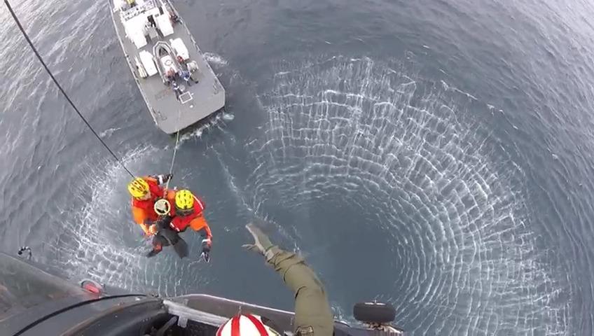 Armada salvó la vida de 3 pescadores que permanecieron cinco días a la deriva en el mar frente a Iquique