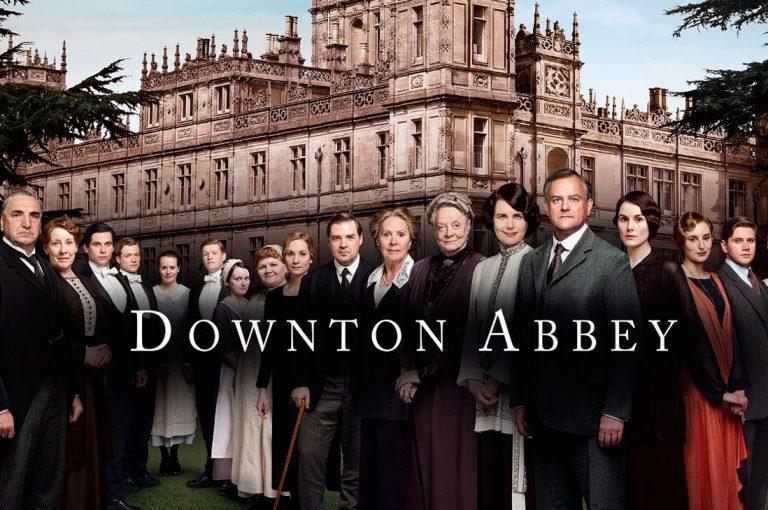 Creador de Downton Abbey despeja dudas del supuesto film de la serie