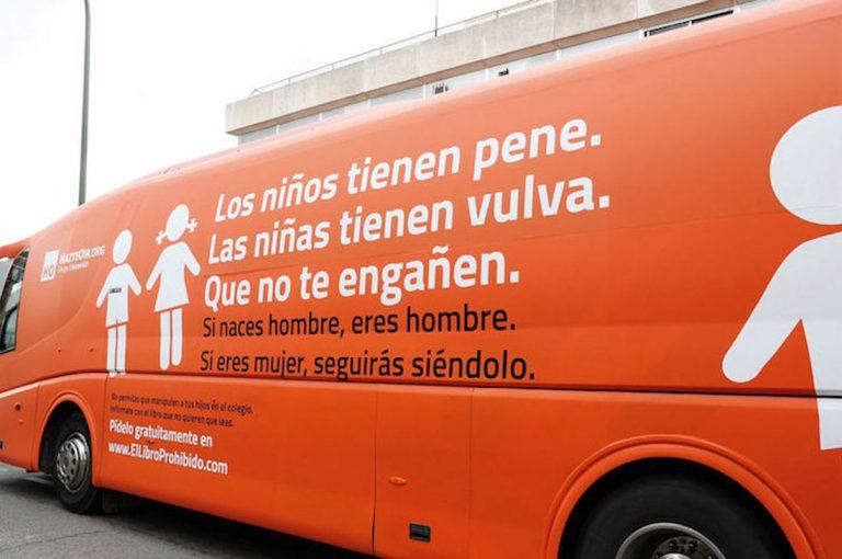 "Polémico ""Bus de la Libertad"" llega a Santiago este lunes 10"