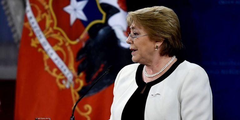 """Bachelet por Convención Constituyente: """"Confiemos en nosotros, confiemos en la democracia"""""""