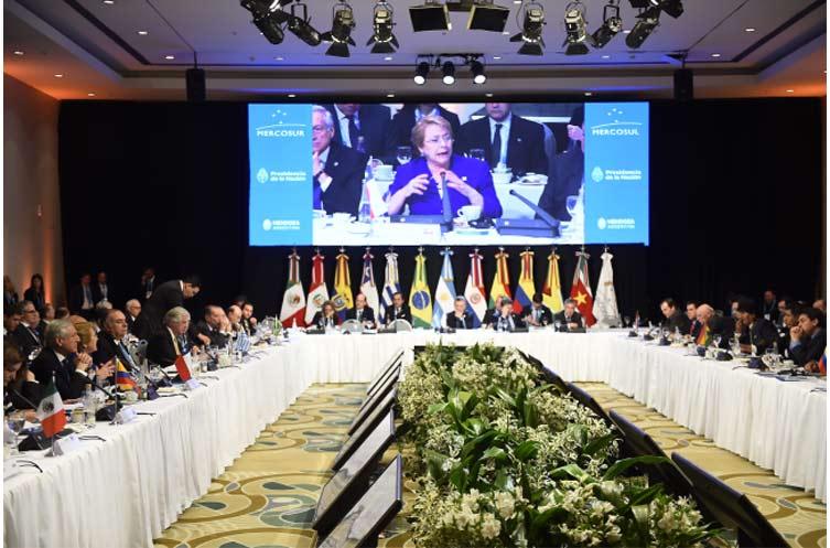 """Bachelet en MERCOSUR: """"Queremos enfocarnos en lo que nos une, en los valores, principios, preocupaciones y metas que compartimos"""""""