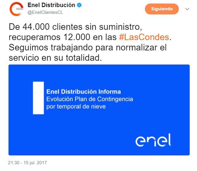 """Enel en sus mensajes de Twitter calificaba como """"Temporal de nieve"""" la nevazón, a modo de justificación por su demora en reposición de servicio."""