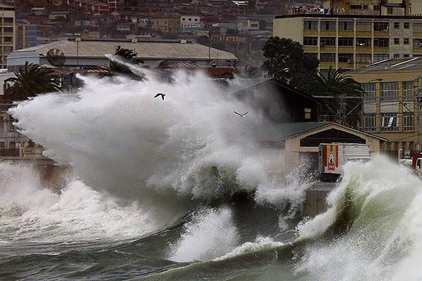 Armada extiende aviso de marejadas hasta el domingo con olas de hasta 4 metros de altura
