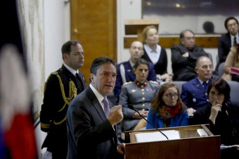 """Ministro de Defensa abre seminario """"Políticas de Género en las Fuerzas Armadas"""""""