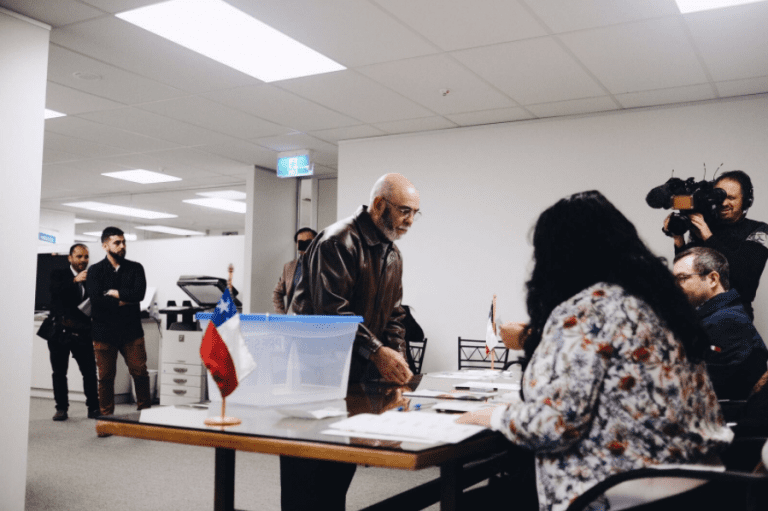 Primarias: En Nueva Zelanda y Australia ganan Kast y Beatriz Sánchez