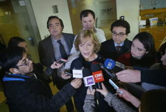 Segunda víctima por cortes de energía: Alcaldesa de Providencia confirma muerte de anciana electrodependiente
