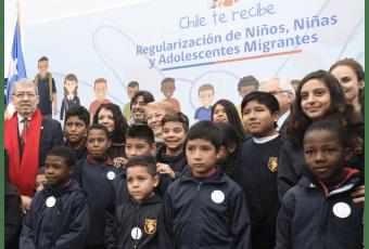 """Bachelet anuncia visa gratuita para niños inmigrantes: """"Queremos que, hayan nacido en Chile o no, todos los niños y niñas tengan los mismos derechos"""""""
