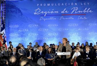 Presidenta firma Ley que da nacimiento a la Región de Ñuble