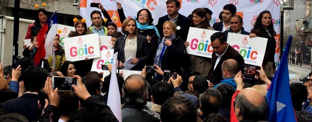 """Carolina Goic inscribe su candidatura a la Presidencia: """"Ahora a golpear todas las puertas"""""""