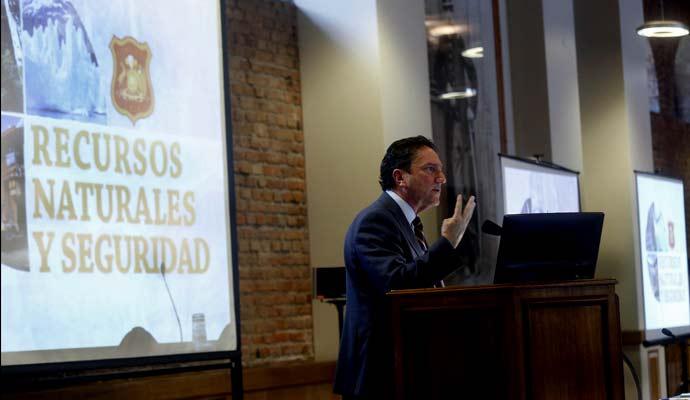 Ejército de Chile realizó seminario internacional sobre recursos naturales y seguridad