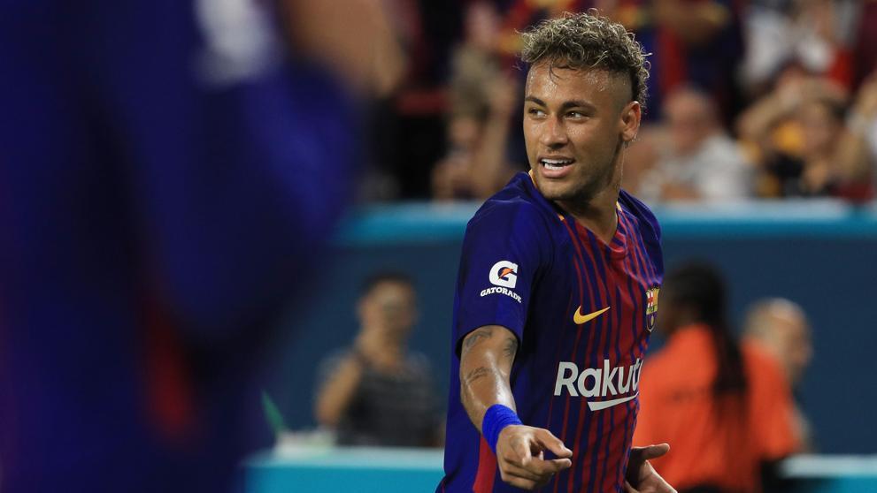 Neymar se va al París Saint-Germain pero tendrá que pagar 222 millones de euros al Barcelona
