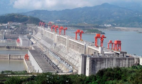 China detiene construcción de plantas eléctricas a base de carbón