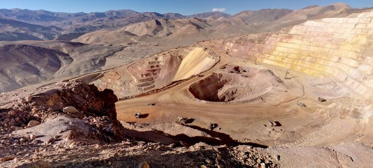 Chile sube al 8° lugar como destino para la inversión minera y desplaza a Perú que queda en el puesto 19