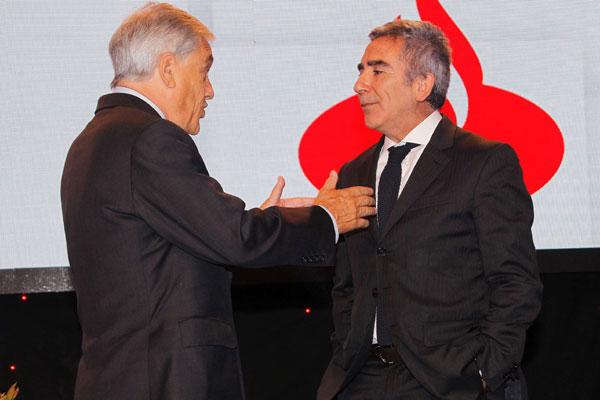 """Peña golpea a Piñera: """"Lo relevante es que su candidatura estuvo también infectada con el dinero de Ponce Lerou"""""""