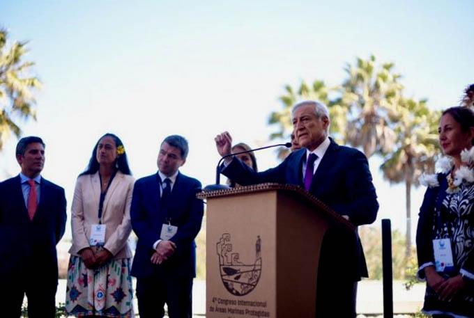 Canciller Muñoz destaca liderazgo de Chile en protección marina  y oficializa gigantesco Parque Marino en Rapa Nui