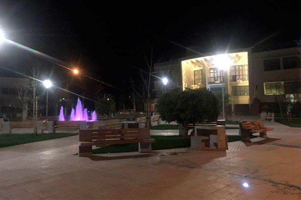 Múltiples beneficios ofrece la tecnología con que Til Til iluminó su Plaza de Armas