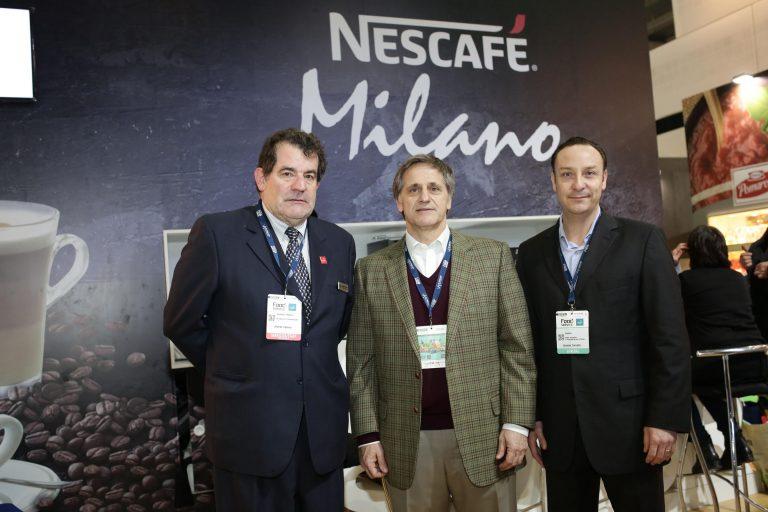 NESCAFÉ lanzó dos espectaculares innovaciones: café en grano NESCAFÉ Espresso Roast y la máquina Milano Combi