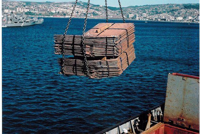 Mejor precio del cobre permite que exportaciones del metal en Chile lleguen a su máximo desde 2014
