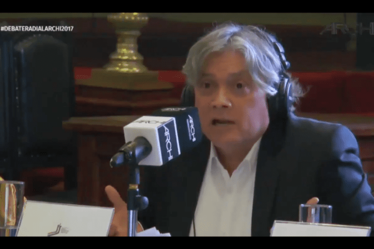 """Peña cuestiona a Navarro por monedas a Piñera: """"En un solo gesto, mostró lo que daña la vida cívica y lo que le falta para conducirla"""""""