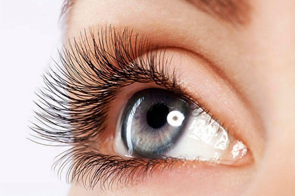 Pestañas largas nos ayudan a proteger mejor nuestros ojos