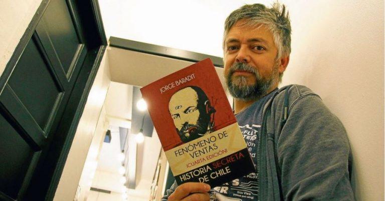 Baradit analiza el fracaso de la izquierda y compara a Piñera con Pedro Urdemales