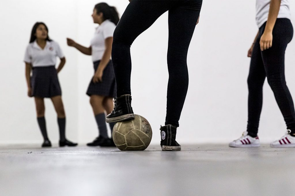 Diego Santa María y su club deportivo transforman al MAC Quinta Normal en una cancha de fútbol