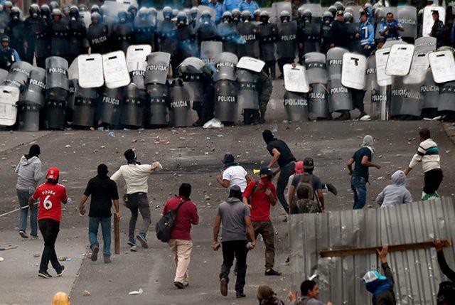 Chile manifiesta su preocupación por la situación política en Honduras tras estallido de violencia al no haber claridad tras resultados de elección presidencial