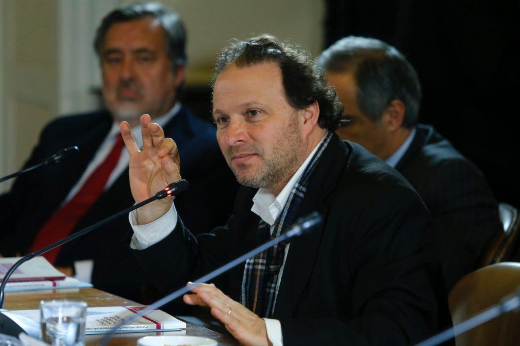 """Senador De Urresti: """"Con la elección de gobernadores regionales nuestro democracia profundiza sus niveles de participación"""""""