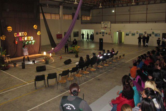 Festival de la voz de la Cárcel de Puerto Montt mostró el talento de los internos en un gran evento al interior del recinto