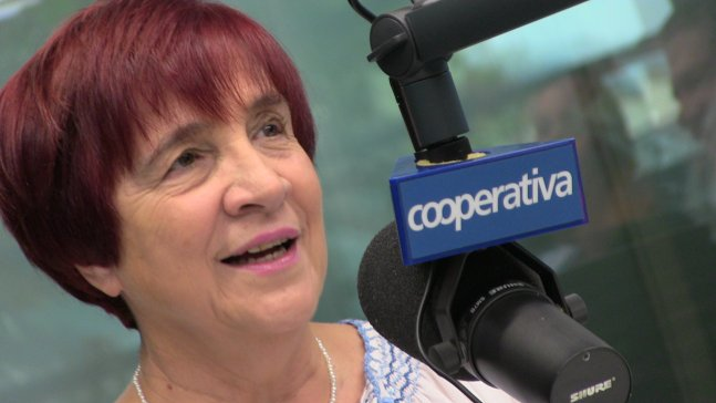 """Carmen Hertz le da un mazazo a Piñera: """"Es el prototipo del farsante"""""""