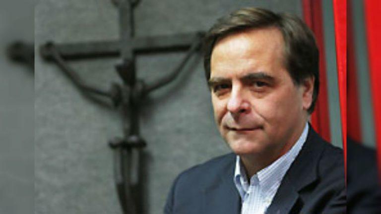 Cura Berríos tildó como una agresión con mucha ignorancia los dichos del cardenal Ezzati