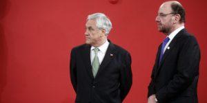 23 Agosto de 2013/SANTIAGO  El Presidente de la República, Sebastián Piñera, durante la toma  de fotografía oficial con los ministros y subsecretarios de Chile y Argentina. FOTO: SEBASTIAN RODRÍGUEZ/AGENCIAUNO
