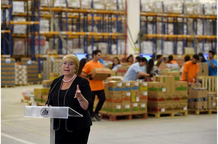 """Presidenta regresó de vacaciones con intensa agenda: """"Durante estos últimos cuatro años hemos puesto en marcha una transformación profunda en la educación de Chile"""""""