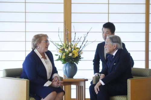 Histórico encuentro: Presidenta Bachelet se reúne con el Emperador de Japón