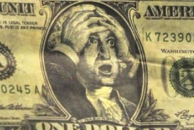 Dólar cae nuevamente y se ubica bajo la barrera de los $600