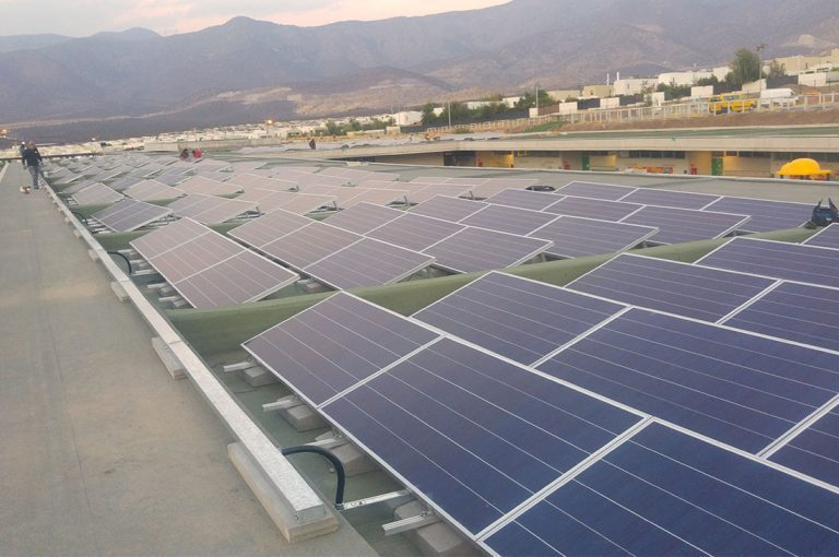 Energía solar fotovoltaica en colegios y universidades: Los beneficios de este tipo de sistema en pos de la educación del país
