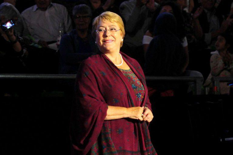 """VIDEO // Presidenta Michelle Bachelet se despide de la ciudadanía: """"Estoy profundamente orgullosa de las transformaciones que impulsamos estos años y soy una convencida que hoy Chile es un mejor país"""""""