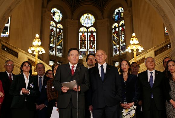 """Ampuero le enrostra a Bolivia lo """"macizo, contundente y demoledor"""" que fue el cierre de los alegatos chilenos en La Haya"""