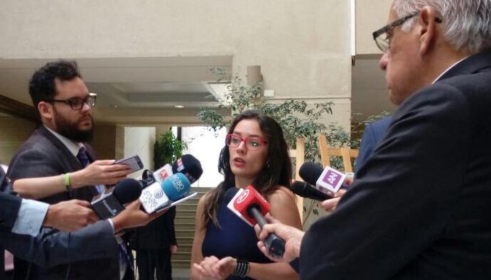 Camila Vallejo advierte que incidente en Cuba sea utilizado como punta de lanza para poner en riesgo acuerdo de centroizquierda