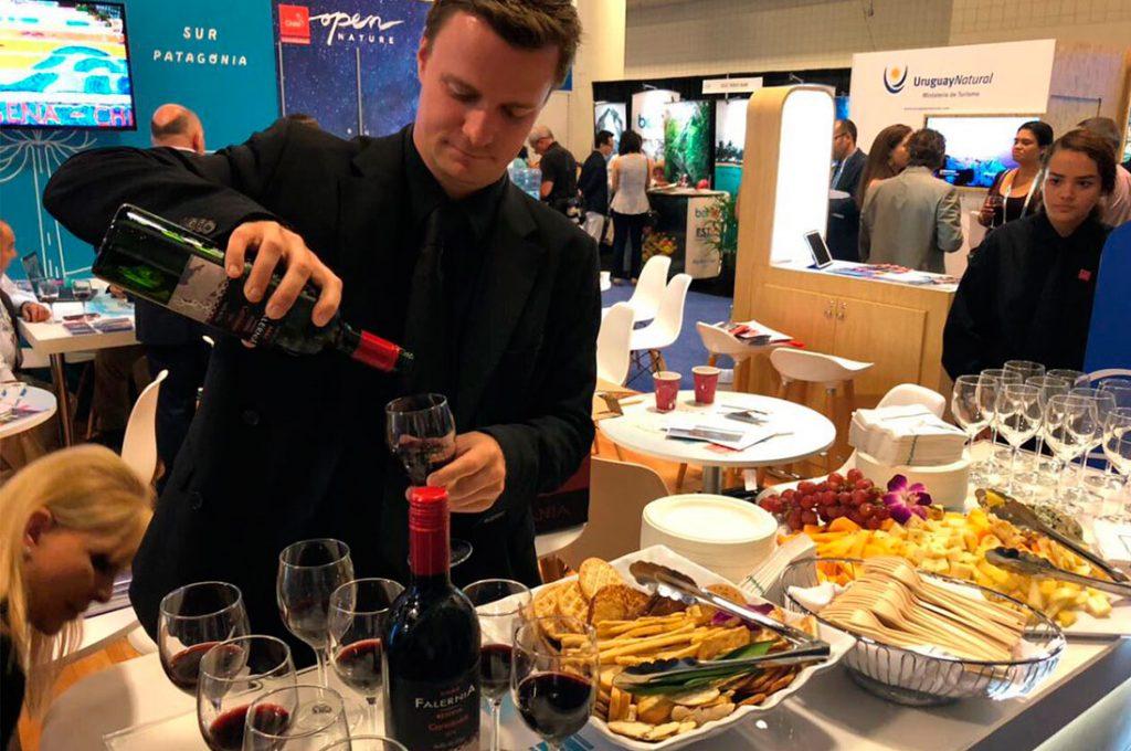 Con récord de participación y degustación de cata de vinos, Chile sorprende en Feria Internacional de Cruceros