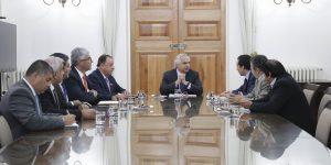 Ministro Chadwick reunido con camioneros CNTC y Sergio Pérez