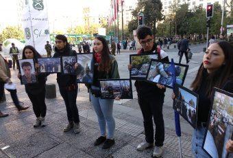Estudiantes de la Feusach protestan por violencia excesiva de Carabineros y piden retirar retén de su universidad