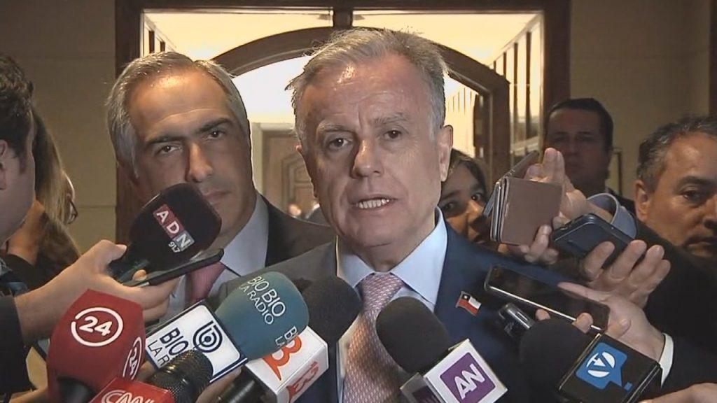 Los votos 'díscolos' que salvaron a ministro Santelices de la Acusación Constitucional