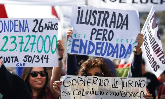 Peña cuestiona la comisión investigadora del CAE y pone a la UDI en el mismo nivel ideológico que el Frente Amplio